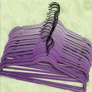 20 hangers